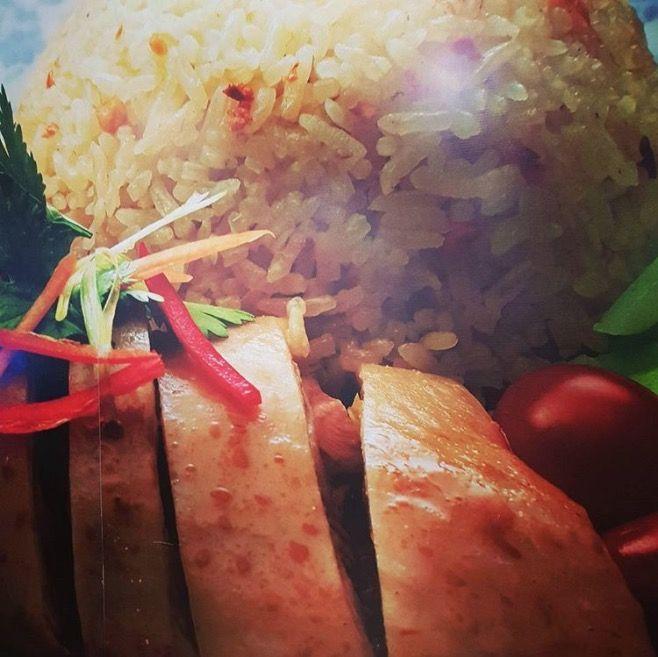 鸡胸肉佐辣萝卜丝+生菜包饭