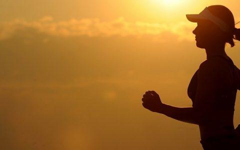 寻找好空气!早上、还是晚上户外运动可以吸到比较多新鲜空气?