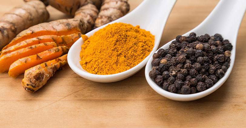 有机姜黄粉与黑胡椒是最佳的健康组合